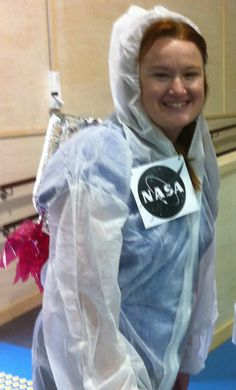 Head To Zero Gravity This Halloween In A Diy Nasa Space Suit