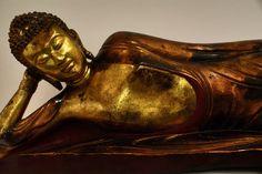 Statue de Bouddha dans le musée des Beaux Arts d'Hanoi au Vietnam. Hanoi, Vietnam, Statue, Fine Arts Museum, Buddha, Fine Art Paintings, Sculptures, Sculpture