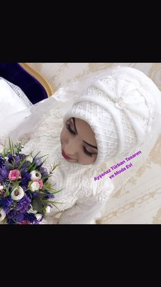 You will find different rumors about the history of the wedding dress; Bridal Hijab, Hijab Bride, Queen Victoria Albert, Marriage Dress, Red Wedding Dresses, Islamic Fashion, Hijab Tutorial, Married Woman, Types Of Collars