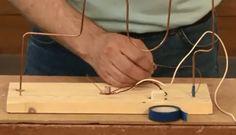 BIBBERSPIRAAL MAKEN. In deze video laat Serge de Beer zien hoe je zonder te solderen een bibberspiraal kunt maken. Part 1 laat zien welke voorbereidingen je moet doen. In Part 2 wordt de montage behandeld. Deze video is speciaal ontwikkeld voor techniekles op de basisschool en in het voortgezet onderwijs. Voor part 1 zie https://www.youtube.com/watch?v=Y4dgXlqTxqE