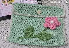 A Cozy Place Called Home: Crocheted E-Reader Case Pattern