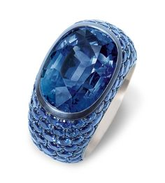 Hemmerle ring in silver and white gold with blue sapphires at 14.85cts.