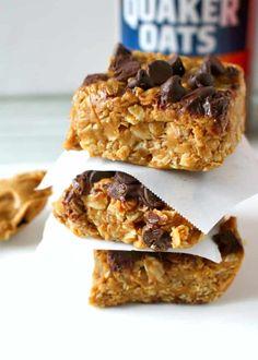 No-Bake Peanut Butter Oatmeal Bars Minute Healthy Snack! Healthy Snack Options, Healthy Snacks, Healthy Desserts, Peanut Butter Oatmeal Bars, Banana Waffles, Apple Bite, Pancake Bites, Breakfast Cookies, Breakfast Ideas