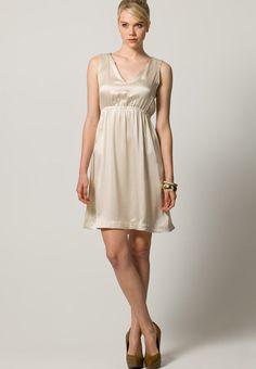 Kleid grose 32