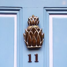 white trim  pineapple