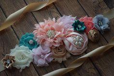 Hoja turquesa coral tan marfil marco gris rosa flor de