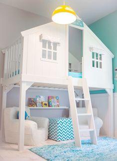 Litera en forma de casita http://www.mamidecora.com/habitaci%C3%B3n-infantil-en-tonos-blancos-y-turquesas.html