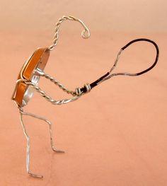 Joeur de tennis, tennis player, giocatore di tennis - designed by Gilles Tonnelé - champagne Dom Ruinart - placomusophilie, museletfolie, museletdesign, museletdartiste, muselet