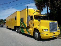 freightliner race hauler | 1990 Freightliner Tractor Trailer car hauler Heavy Duty Trucks, Big Rig Trucks, Tow Truck, Semi Trucks, Freightliner Trucks, Semi Trailer, Custom Trucks, Old Pictures, Rigs