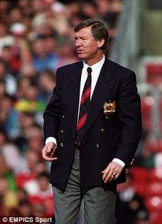 Man Utd manager Alex Ferguson in 1993 Manchester United Images, Manchester United Legends, Manchester United Players, British Football, Football S, Sheffield United, Man Utd Fc, Sir Alex Ferguson, Soccer Coaching