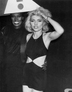 Grace Jones & Debbie Harry ___ Studio 54 mood --- Heart of GLASS --- 2 strong songstresses gettin down. Blondie Debbie Harry, Grace Jones, Le Palace, Divas, New Wave, Thing 1, Blondies, Musical, Style Icons