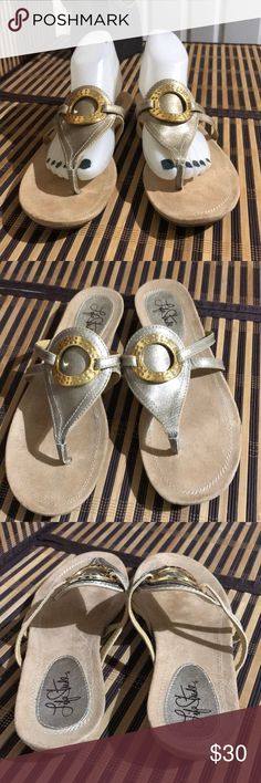 Life Stride Metallic LightGold Sandals Excellent Excellent preowned condition. Only wore once for Wedding Life Stride Shoes Sandals