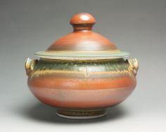Sale Handcrafted porcelain tureen two quart by BlueParrotPots. 2 quarts.