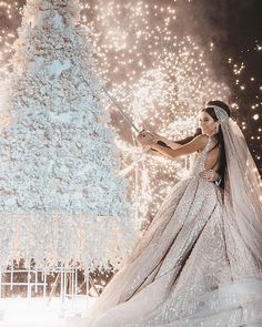 Luxurious tiered cake and a stunning backdrop, the bride looks mesmerizing on her wedding day! Luxury Wedding, Wedding Bride, Wedding Gowns, Dream Wedding, Wedding Day, Destination Wedding, Wedding Blog, Lace Wedding, Wedding Cakes