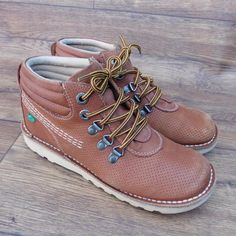 SIZE UK 4 KICKERS TAN NUBUCK LACE UP ANKLE BOOTS NOT CLASSIC KICKERS STYLE