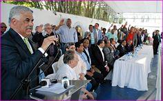 """Miguel Vargas reitera criticas a Luis Abinader; dice es  """"candidato sin contenido ni propuestas"""", recibe ex dirigentes del PRM"""
