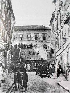 Na špacírke po Bratislave: Klariská ulica - BratislavaDen.sk Bratislava, Old Street, Old City, Time Travel, Old Photos, Street View, Europe, Photography, Retro