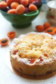 Лето - сезон фруктов, ягод и простой выпечки. Заморачиваться с чем-то сложным не хочется:) А потому пирог, простой пирог... Для пирога диаметром 20 см 100 г сливочного…