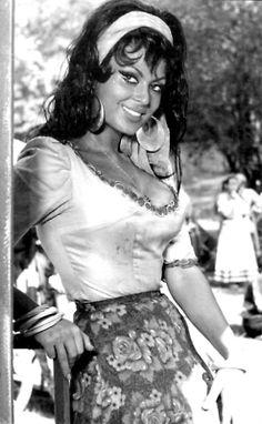 Türkan Şoray ~ Altın Küpeler, 1966