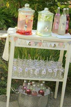 Wonderland Baby Shower Beverage Station for a party. Baby Shower, or wedding shower. Love the small banner.Beverage Station for a party. Baby Shower, or wedding shower. Love the small banner. Baby Shower Drinks, Baby Shower Parties, Girl Baby Showers, Baby Shower Table Set Up, Bridal Shower Party, Non Alcoholic Drinks For Baby Shower, Bridal Shower Foods, Baby Shower Desert Table, Baby Shower Food For Girl
