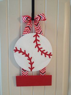 Baseball door hangers for hospital 29 Ideas Cross Door Hangers, Baby Door Hangers, Baby Hospital Wreath, Hospital Door Hangers, Kids Wall Decor, Diy Door, Diy Crafts, Baseball Snacks, Baby Wreaths