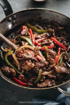 Real-Deal Szechuan Beef Stir Fry- Easy Szechuan Beef Stir Fry – Tender crispy beef cooked in a bold sweet sour spicy sauce with peppers and onions. Learn how to make the richest sauce and create crispy beef without deep-frying. Asian Recipes, Beef Recipes, Cooking Recipes, Ethnic Recipes, Chinese Recipes, Chinese Food, Cooking Games, Drink Recipes, Crispy Beef