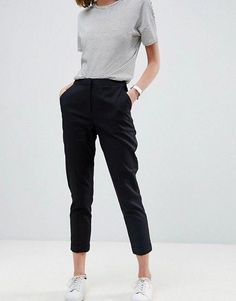 Browse online for the newest ASOS Tailored Linen Cigarette Pants styles. Shop easier with ASOS' multiple payments and return options (Ts&Cs apply). Casual Work Outfits, Business Casual Outfits, Office Outfits, Work Casual, Casual Looks, Casual Pants, Cigarette Pants Outfit, Altering Pants, Work Fashion