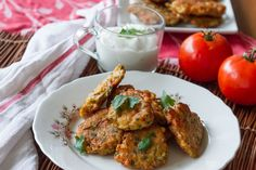 Greek tomato fritters - Domatokeftedes by Greek chef Akis Petretzikis. An authentic, traditional Greek recipe for crunchy, aromatic tomato vegetable fritters! Greek Recipes, Vegan Recipes, Yummy Recipes, Recipies, Veggie Fritters, Good Food, Yummy Food, Quick Snacks, Mediterranean Recipes