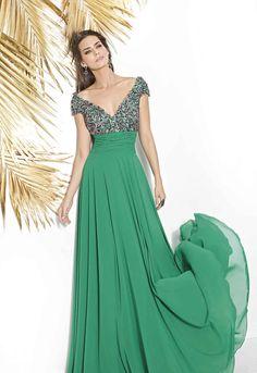 Vestido en gasa color verde, con opción de poner manga o dejarla corta. Elegant Dresses, Vintage Dresses, Nice Dresses, Casual Dresses, Fashion Dresses, Prom Dresses For Teens, Formal Gowns, Indian Dresses, The Dress