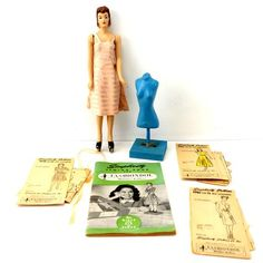 Artículos similares a Vintage Simplicity Fashiondol Sewing Mannequin by Latexture Products - Collectible, Home Decor, Sewing Doll Manikan Mannikan en Etsy Vintage Mannequin, Vintage Dolls, Vintage Sewing, Mccalls Patterns, Doll Patterns, Sewing Patterns, Sewing Kit, Sewing Dolls, Sewing Notions