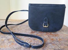 Black Handbags, Vintage Black, Saddle Bags, Accessories, Jewelry, Pouch, Purse, Hands, Color