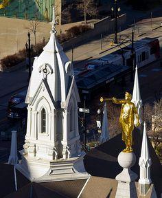 Angel Moroni Gilded Statue - http://www.everythingmormon.com/angel-moroni-gilded-statue/  #mormonproducts #LDS #mormonlife