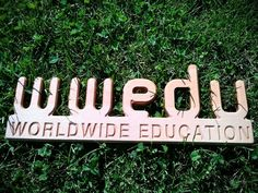 WWEDU Logo aus Holz Neon Signs, Group, Board, Timber Wood, Planks