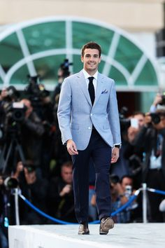 Jules Bianchi Photos Photos - Jules Bianchi of France and Marussia attends the Amber Lounge Charity Fashion event at Le Meridien Beach Plaza Hotel on May 2013 in Monaco, Monaco. - Amber Lounge Fashion in Monaco Blue Blazer Outfit Men, Blazer Outfits Men, Blue Suit Jacket, Beige Blazer, Brown Blazer, Blue Pants, Light Blue Blazers, Light Blue Suit, Der Gentleman