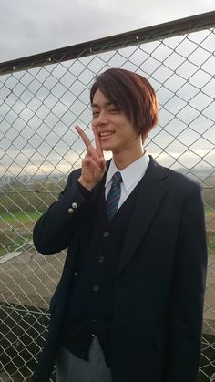 Japanese Boy, Japanese Models, Asian Boys, Asian Men, Human Poses Reference, Long To Short Hair, Japanese School Uniform, Aesthetic Japan, Body Poses