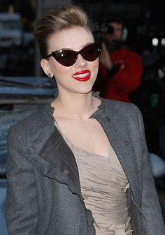 Scarlett con el modelo Nikita de TOM FORD. Preciosas !