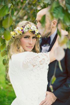 floral hair garland | Read more on http://onefabday.com/simple-beautiful-utah-wedding-by-alixann-loosle/
