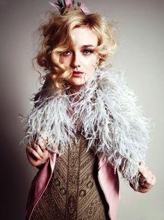 dakota fanning wonderland | Dakota Fanning Goes Vintage Chic for Wonderland April/May 2012