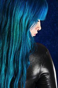Colore capelli: il blu Denim Hair è l'ultima moda tra le colorazioni