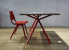 Office Line, Schreibtisch, office table Linoleum, chair: by Roland Rainer Metal Furniture, Furniture Design, Wood And Metal, Solid Wood, Design Tisch, Office Table, Table Legs, Designer, Chair