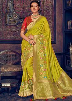 Kajal Aggarwal in Parrot Green Satin Silk Saree Art Silk Sarees, Sari Silk, Silk Satin, Fancy Sarees, Party Wear Sarees, Festival Wear, Festival Fashion, Pista Green Colour, Wedding Sarees Online