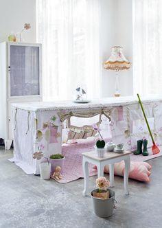 "Love the""table tent""idea ♡"