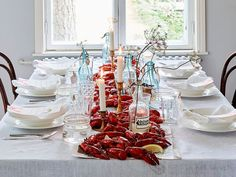 PARTY…RENNOT RAPUJUHLAT Crab Party, I Party, Good Food, Brunch, Table Settings, Christmas Tree, Table Decorations, Holiday Decor, Cooking