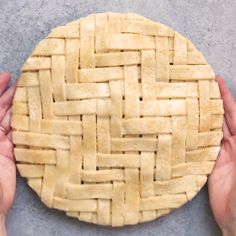 The Most Mesmerizing Pie Crust You'll See All Day