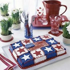 Gear up for the Fourth of July with this amazing Star-Spangled Quilt Cake creative-cakes- Fluffy White Frosting, Blue Frosting, Fourth Of July Cakes, 4th Of July Celebration, July 4th, Quilted Cake, Blue Dishes, Creative Cakes, Cakes And More