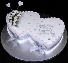 Cake Decorations For Engagement Cake : 1000+ images about Engagement cake ideas on Pinterest ...