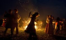Kupala Night is a Slavic celebration of ancient pagan origin marking the end of the summer solstice and the beginning of the harvest (midsummer). Wicca, Pagan Festivals, People Dancing, Science Fiction, Witch Aesthetic, Beltane, Super Moon, Summer Solstice, Solstice Festival