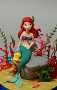 Ariel (La Sirenita) por Cesare Corsini y hellip; Ver el pastel: http://cakesdecor.com/cakes/200610-ariel-the-little-mermaid