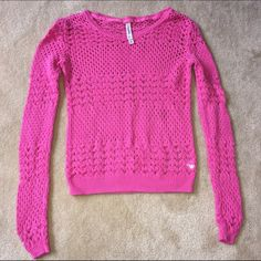Aeropostale pink open weave sweater Aeropostale bright pink open weave sweater. GUC, just slight fading. No pulls, holes, stains, or tears. I'm open to offers & do bundle discounts! 😊☮❤️✌️ Aeropostale Sweaters Crew & Scoop Necks