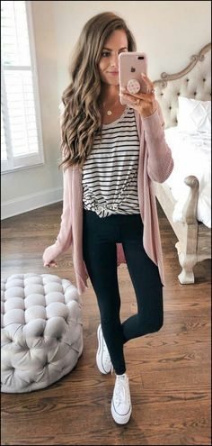 45 Perfect Spring Outfits That Will Save Your LifeWachabuy -.- 45 Perfect Spring Outfits That Will Save Your LifeWachabuy – 45 Perfect Spring Outfits That Will Save Your LifeWachabuy – - Spring Outfits For Teen Girls, Preppy Fall Outfits, Spring Outfits For School, Cute Outfits For Fall, School Outfits College, Preppy School Outfits, Spring Outfits Women Casual, Easy Outfits, College Style